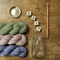 Loving these hand dyed colors from @madelinetosh. What's on your needles?